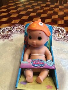 Just Play Wee Water Babies Wee Goldfish Wee Passion Rouge New in Box
