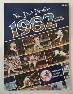 1982 NY YANKEE YEARBOOK TCMA Cards Included
