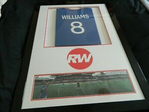 ROBBIE WILLIAMS...SIGNED MONTAGE...LOOK !!