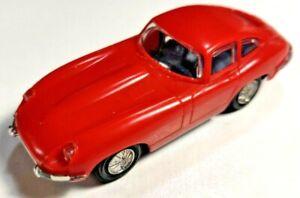 Lindberg Line, Mini Lindy #4 Jaguar  XK-E Red. Can fit HO slot car.
