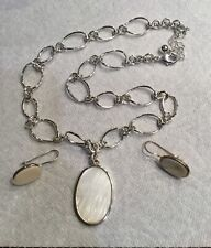 Avon Mother of Pearl Disk Necklace and Earring Gift Set Silver Tone A5