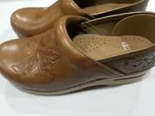 Dansko 38 Clogs Nurse Shoes Slip On Professional Stapled Leather sz7