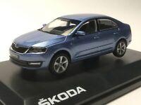 Skoda Rapid Limousine Denim Blau Metallic Ab 2012 NH 143AB022KM 1//43 Abrex Mod..