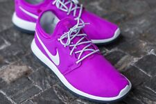 NIKE ROSHE TWO (GS) YOUTH SIZE 5.5 EUR 38.5 (844655 500) HYPER VIOLET