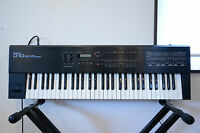 Roland D-10 MULTI TIMBRAL LINEAR SYNTHESIZER w/  original case