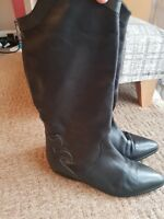 leather black  Boots size4