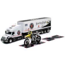 Voitures, camions et fourgons miniatures 1:32 Suzuki