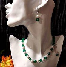 Collana e Orecchini Perle Akoya Coltivate 7/8 mm e Avventurina Verde Smeraldo