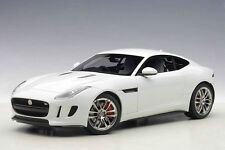 1:18 Autoart 2015 Jaguar F-Type R Coupé (Polaris Blanco)
