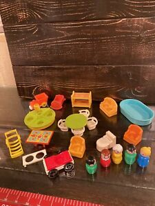 Vintage Fisher-Price  Doll House furniture  with Little People