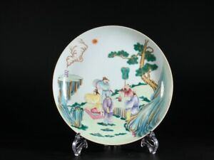 CHINESE ANTIQUE FAMILLE ROSE PORCELAIN FIGURE PLATE