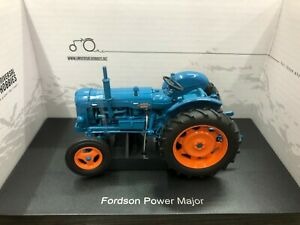 Universal Hobbies UH2636 Fordson Super Major Tractor 1/32 Diecast Model