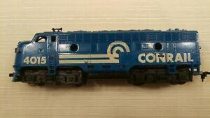 Tyco HO F-7 Locomotive Conrail #4015, runs good, pulls good, 15 cars