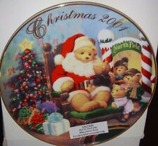 Avon Exclusive 2001 Holiday Christmas Plate Childs First Visit Santa Gold Trim
