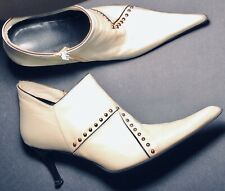 Vero Cuoio RARE Ankle Boots/Booties WHITE W/SILVER STUDS Sz 38 Made In Italy EUC