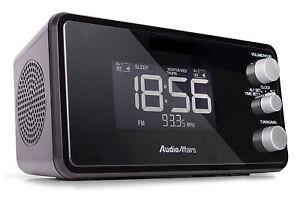 Radiowecker Alarm Wecker 2 Weckzeiten dimmbar USB Snooze Sleep Timer schwarz