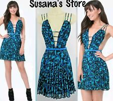 NWT bebe Print Strappy Pleated Dress SIZE M bebe-exclusive print $148