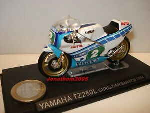 MOTO YAMAHA TZ 250L N° 2 CHRISTIAN SARRON 1984 au 1/24°