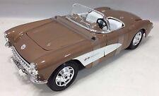 Maisto - 31139 - 1957 Chevrolet Corvette Special Edition Scale 1:18 - Brown