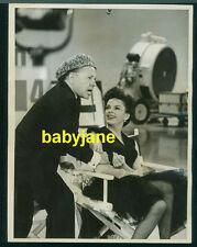 JUDY GARLAND MICKEY ROONEY VINTAGE 7X9 PHOTO 1963 JUDY GARLAND TV SHOW