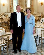 PRESIDENT GEORGE W. BUSH AND FIRST LADY LAURA BUSH - 8X10 PHOTO (BB-898)