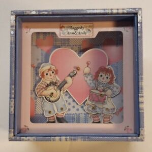 Vintage SCHYLLING - CLASSIC Raggedy Ann & Andy Wind Up Dancing Music Box.