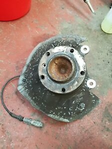 BMW E39 520 OFFSIDE LH NSF FRONT HUB AND BEARING CARRIER