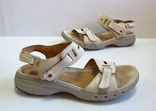 Ladies CLARKS 'UNstructured' Cream Leather Sandals/Shoes Size 5.5 D Exc Cond