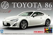 Aoshima 1/24 Model Car Kit Toyota 86 GT-Limited Satin White Pearl Prepainted