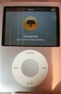 Apple iPod nano 3rd Generation 8GB USB MP3 Player - Silver