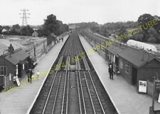 Carpenders Park Railway Station Photo. Hatch End - Bushey. Watford Line. (3)