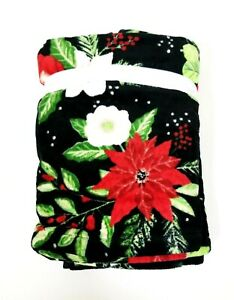 WELLESLEY BLACK,GREEN,RED POINSETTIA FLORAL COTTON BATH,HAND,FINGER TIP TOWEL