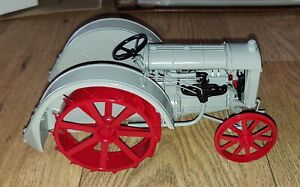 Fordson 1927 F Tractor 1:16 Scale Diecast Danbury Mint Opened Box