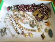 Vintage Jewelry Lot Necklaces Brooch Brooches Earrings & more (631B)
