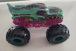 Hot Wheels monster truck 1:24 - Zombie-wrex 2016