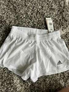 new with tags adidas womens shorts GQ5074 pacer 3S WVN White msrp-$25 XL