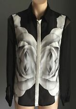 Stunning  FINDERS KEEPERS Black & White Graphic Print Sheer Shirt Size XS/6