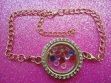 with 7 crystals and charm Usa Living Memory Green Crystal Round Locket Bracelet
