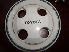 Toyota 4-Spoke Vintage Wheel Center Cap  Hub WHITE PART 6319