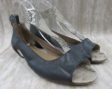 TSUBO Gerri Snake T-Strap Sandal in Beige Size: 8.5 US