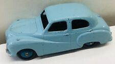 DINKY TOYS 161. AUSTIN  SOMERSET SALOON. LIGHT BLUE . EXCELLENT
