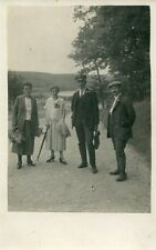 Alte Fotopostkarte/Photo postcard: Waldspaziergang (ca. 1930er Jahre)
