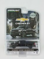 Greenlight 1/64 2018 Chevy Silverado Midnight Edition Truck Hobby Exclusive