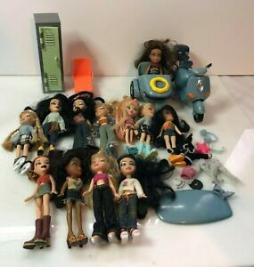 Fab bratz doll bundle Lil bratz  scooter clothes job lot (B5)