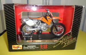 Maisto Motocross KTM 520 SX  1/18 eme réf 443