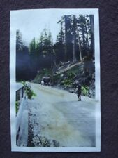 CAR & WOMEN ON SIDE OF ROAD Vtg 1922 HAND COLOR TINTED B&W PHOTO - CASCADE MTS