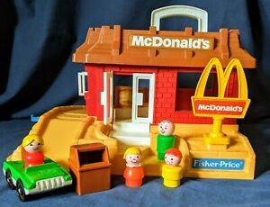 Vintage Fisher Price Little People 2552 McDonalds Restaurant, Sign & accessories