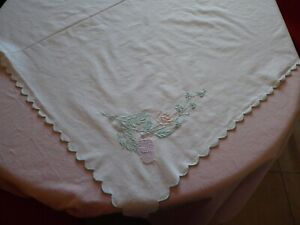 VINTAGE LINEN TABLECLOTH EMBROIDERED THISTLE, 119 CM X 119 CM, VERY GOOD COND