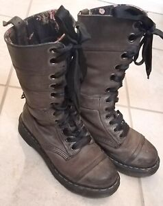 Doc Martens Women's Size 7 Grey Leather Triumph 1914 Mid-Calf Fold Down Boots