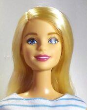 Barbie doll Millie scolpire i capelli biondi occhi azzurri gambe dritte RE-Vestita